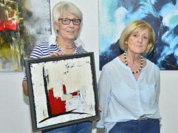Abstrakt und modern: Doris Wildförster und Sigrid Schneider stellen in Stadtbücherei aus