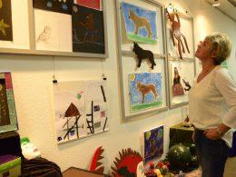 BücherWelten: Facettenreiche Ausstellung wird in der Stadtbücherei eröffnet