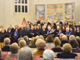 Weihnachtskonzert: Chöre füllen Johanniskirche bis auf den letzten Platz